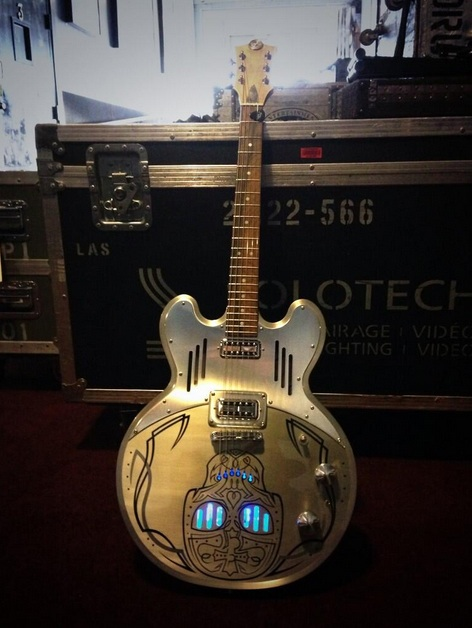 meloduende guitars johnny hallyday